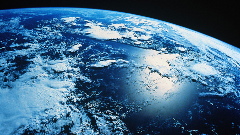 earth's-water-existence-mystery