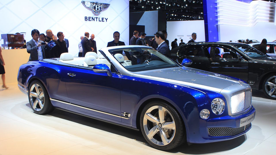 Bentley's-Grand-Convertible-at-Autoshow