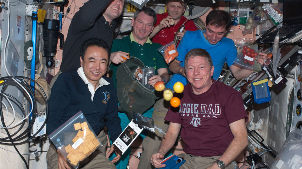 International-Space-Station-Crew-Wishes-Happy-Thanksgiving