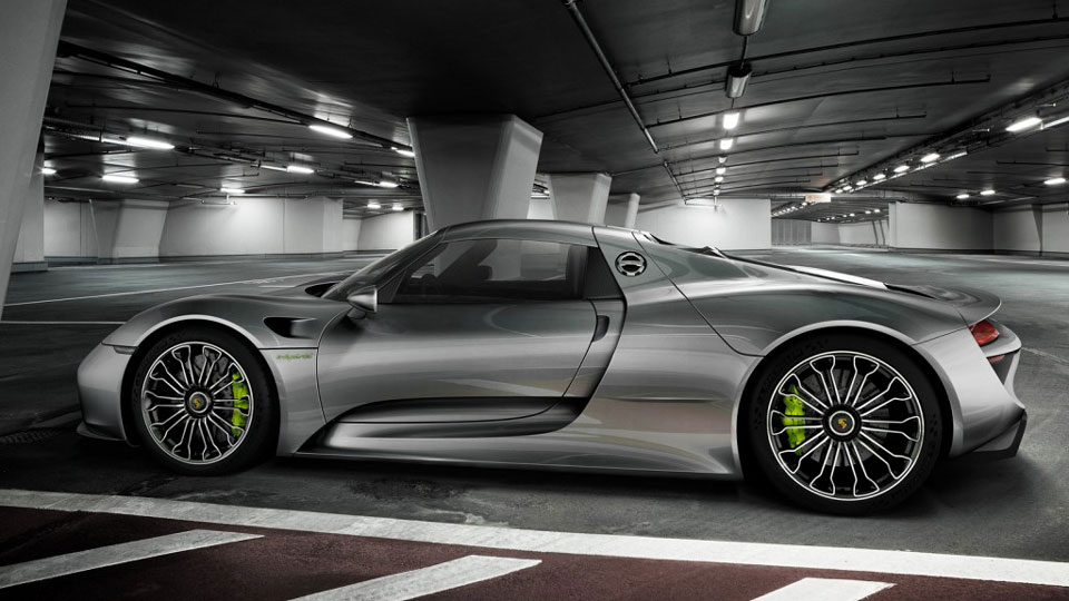 Porsche-recalls-expensive-918-Spyder