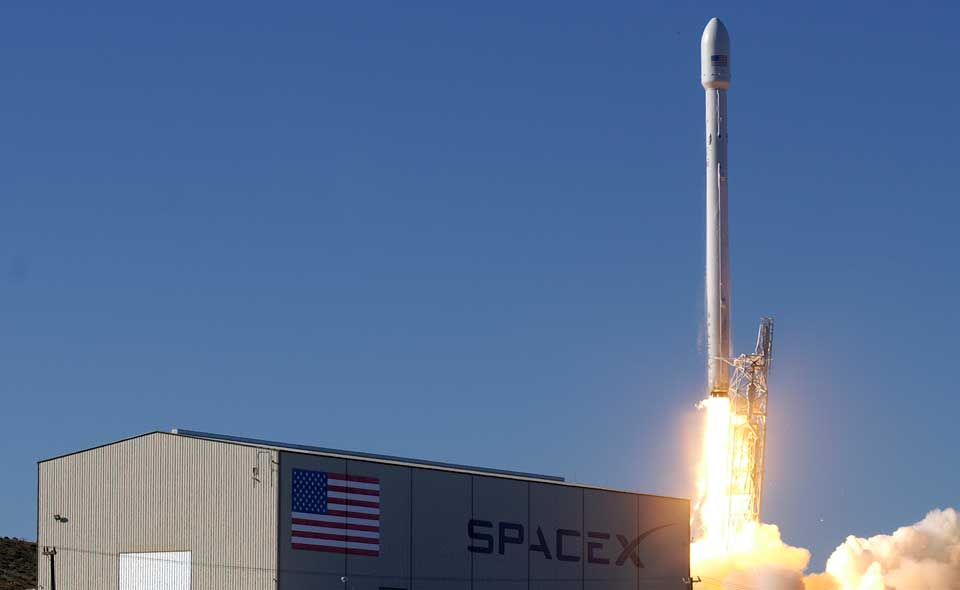 Spacex-Falcon-9-rocket-NASA