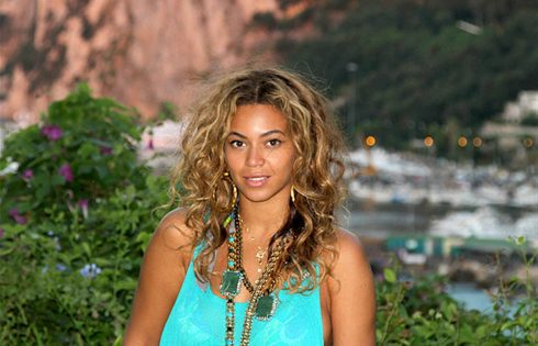 Surprise Beyonce single released ahead of Super Bowl show