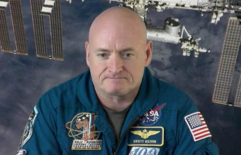 US astronaut Scott Kelly throws Super Bowl party in space
