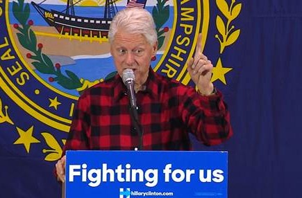 Video Bill Clinton attacks Bernie Sanders in New Hampshire