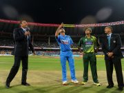 Dhoni and Hafeez at the toss