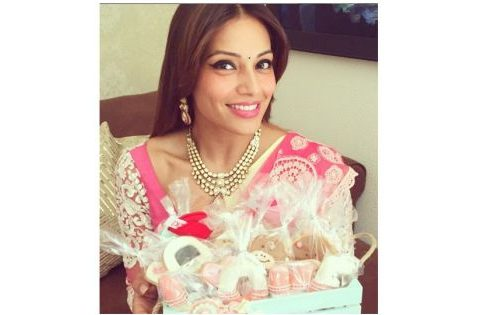 Bipasha in pink