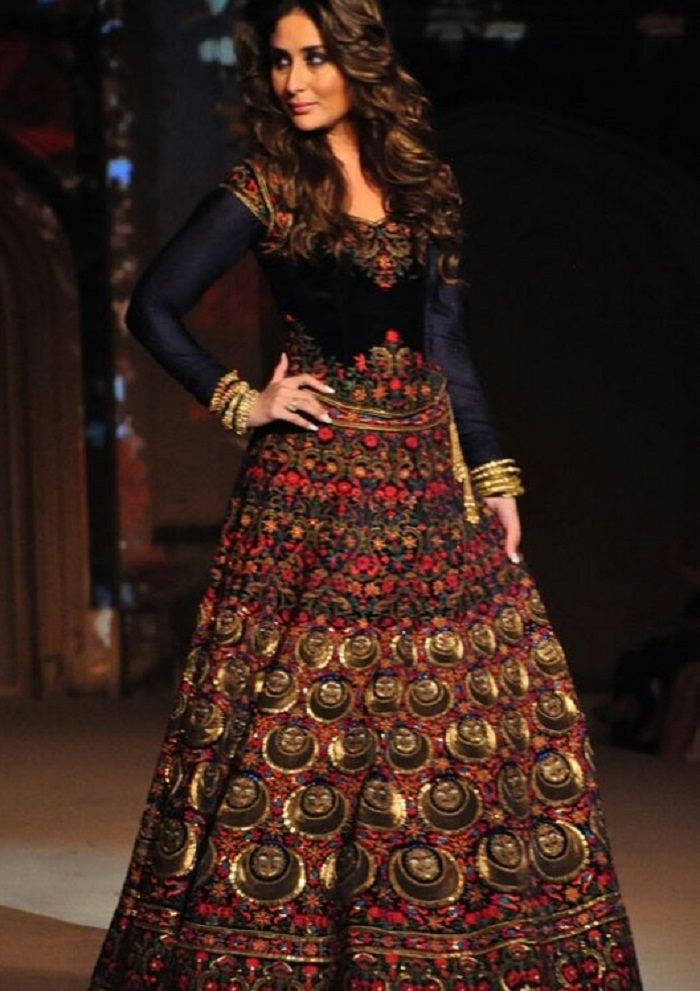 Photos Kareena Kapoor Stuns At the Lakme Fashion Week
