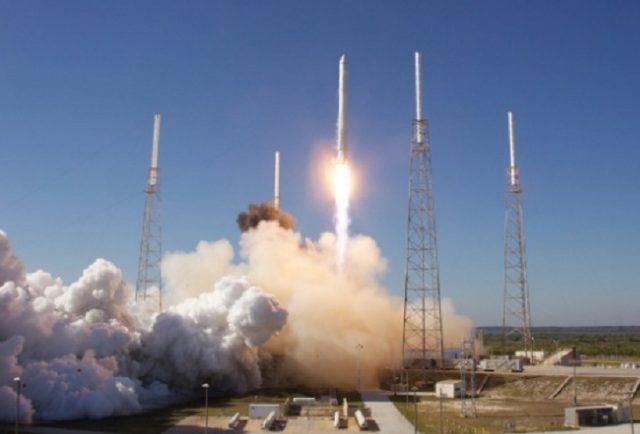 SpaceX breaks Boeing-Lockheed